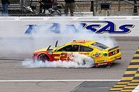 Logano out-duels Harvick for Kansas Cup win, heads to title race
