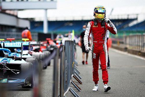 Sargeant trionfa in Gara 1 a Silverstone: è il nuovo leader di F3