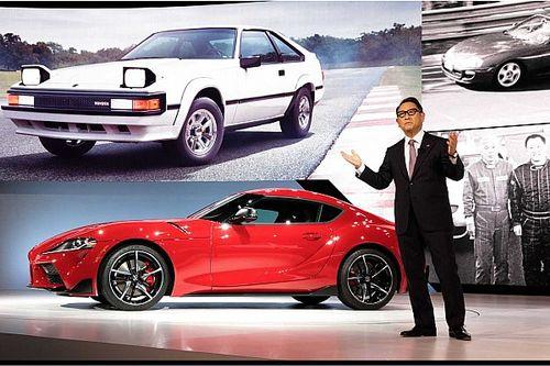 Toyota investors criticize Akio Toyoda's position over EVs