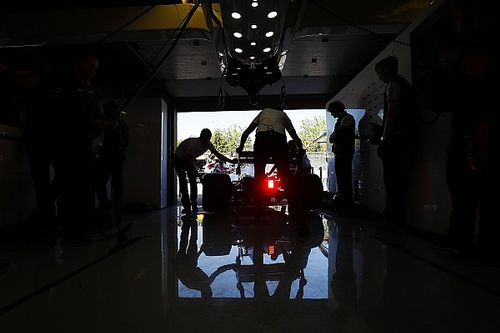 Нужны ли Ф1 громкие моторы? Боссы команд разошлись во мнениях