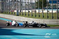 Два штрафа испортили россиянину Смалю этап Формулы 4 на «Яс-Марине»