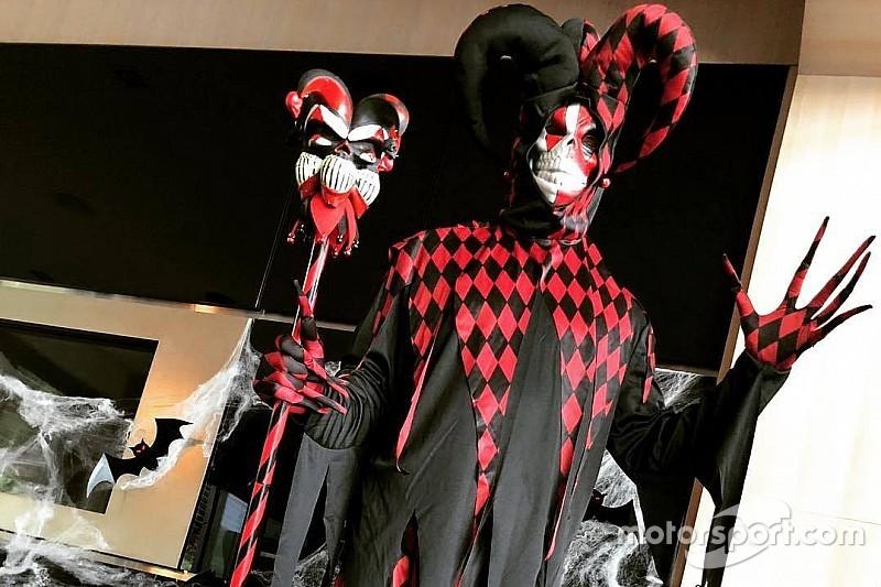 Посмотрите, как Райкконен нарядился на Хеллоуин. Его не узнать!