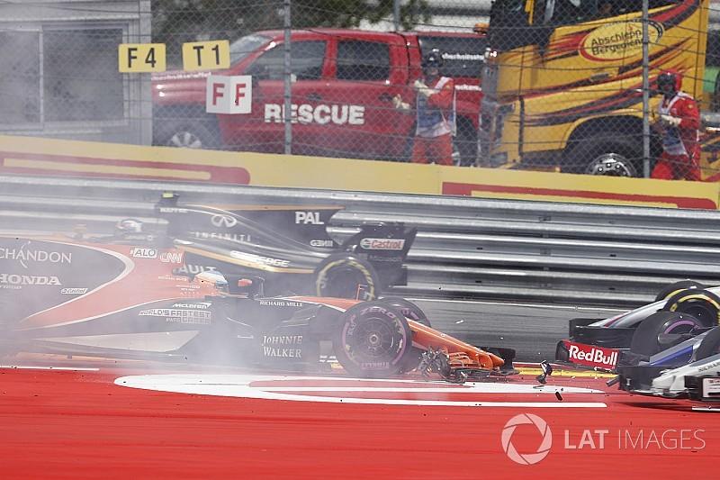 【F1】追突されリタイアのアロンソ「僕には何もできなかった」