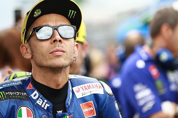 MotoGP Росси оттолкнул в Брно девушку. Она оказалась министром правительства