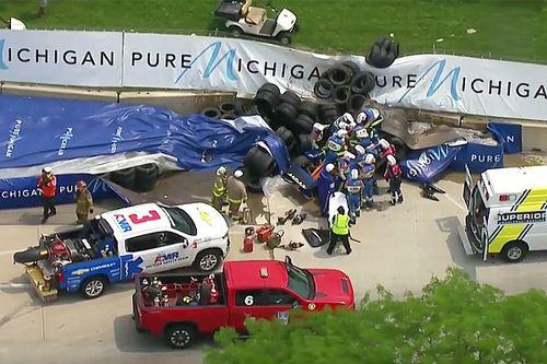 Fuerte accidente de Rosenqvist detiene la carrera de IndyCar en Detroit