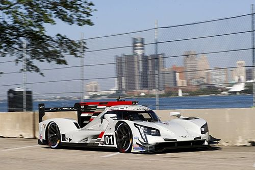Detroit IMSA: Magnussen heads Cadillac 1-2-3 in FP2