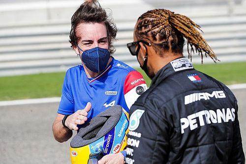 """Alonso: """"Esto demuestra lo bueno que es Hamilton. Y cada vez más"""""""