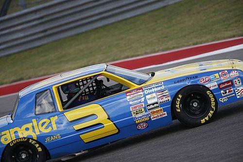 Ricciardo dolgelukkig na ritje in NASCAR van jeugdheld Earnhardt Sr.