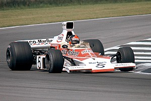 Formel 1 News Mika Häkkinen mit F1-Demorunden im McLaren M23 von Emerson Fittipaldi