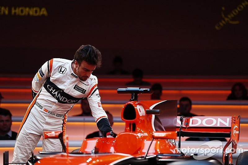 Alonso had contact met Mercedes na opstappen Rosberg