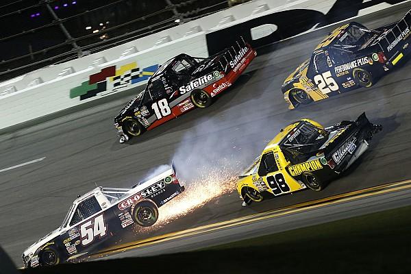 NASCAR Самое интересное Завалы в NASCAR и полеты в WRC: лучшее видео уик-энда