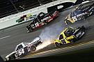 NASCAR Завалы в NASCAR и полеты в WRC: лучшее видео уик-энда