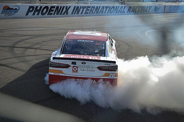 NASCAR Cup Emotionaler NASCAR-Sieg von Kenseth in Phoenix