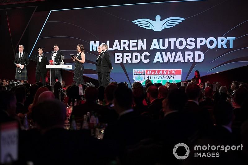 نجوم سباقات السيارات يستعدون لحفل توزيع جوائز أوتوسبورت 2018
