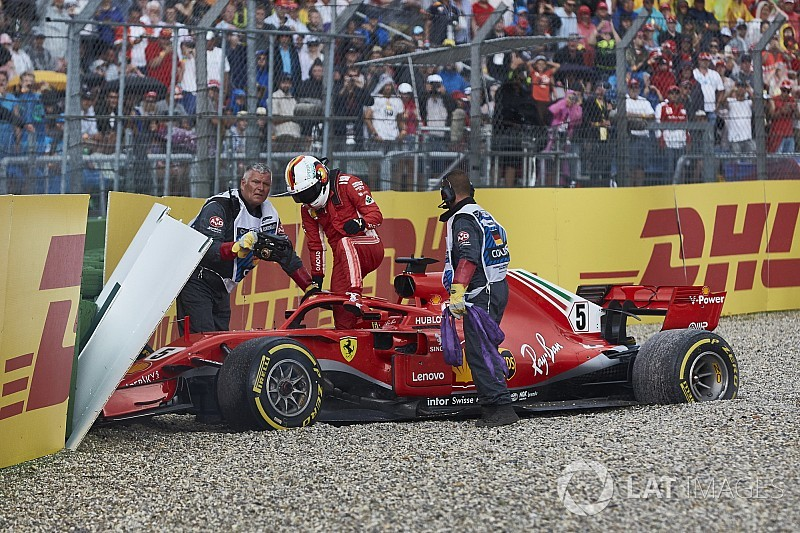 Verstappen difende Vettel: