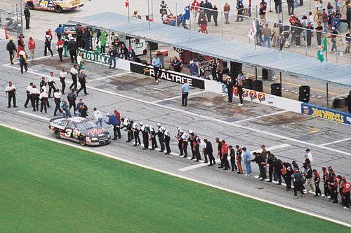 Larry McReynolds reflects on Dale Earnhardt's historic Daytona 500 win
