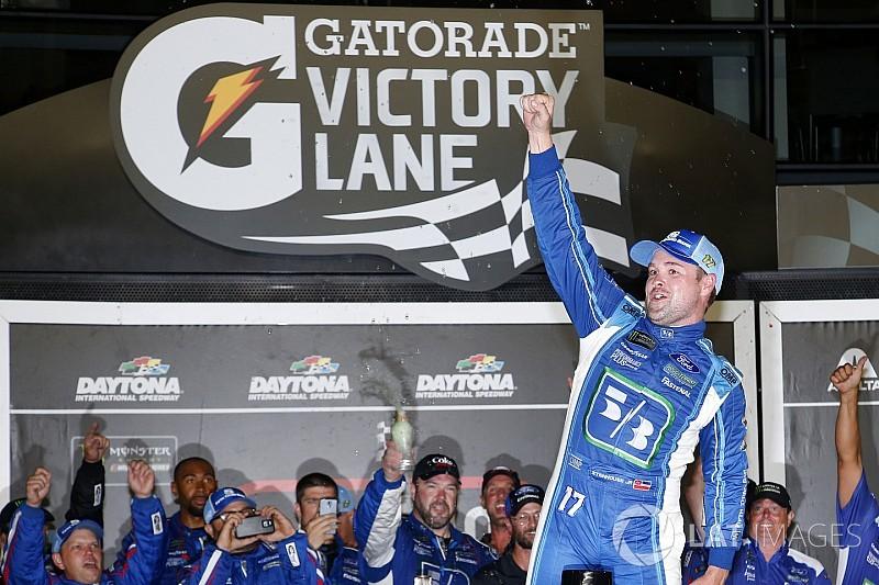 Stenhouse wins wild NASCAR Cup race at Daytona