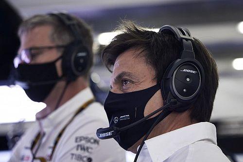 """Wolff: """"Red Bull, Hamilton'a karşı 'amatörce' gibi söylemler kullanmamalıydı"""""""