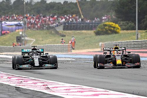 Tech: De fascinerende achtervleugelstrijd tussen Red Bull en Mercedes