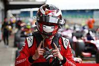 Ilott arrebata la pole a Lundgaard en Silverstone