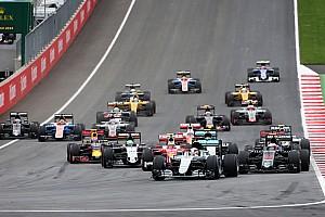 Formula 1 Race report Austrian GP: Hamilton wins after last-lap Rosberg clash