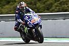 Viñales y Lorenzo 'empatan' al frente del warm up en Jerez