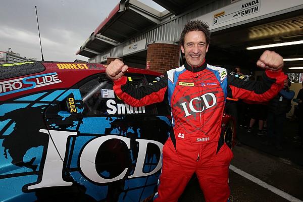 BTCC Brands Hatch BTCC: Smith takes shock pole in chaotic qualifying