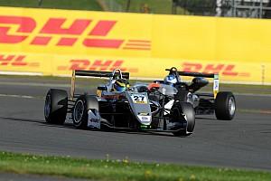 EUROF3 Qualifiche Jehan Deruvala guida la tripletta Carlin nelle Qualifiche di Monza