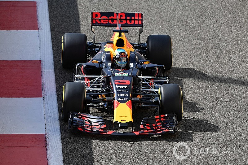 """F1's three-engine rule """"absolutely barking mad"""" - Horner"""
