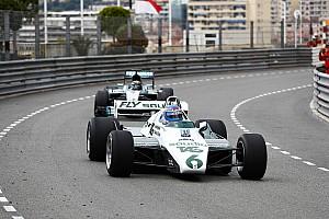 In beeld: Keke en Nico Rosberg rijden in hun kampioenschapsauto's