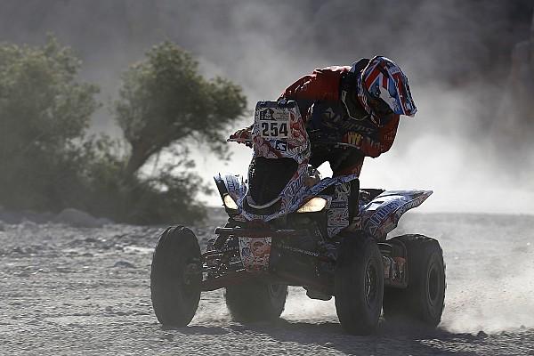 Карякин выиграл еще один этап «Дакара», отрыв от Казале превысил час