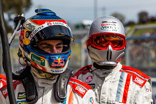 Lowndes had 'open and honest' talks about disappointing season