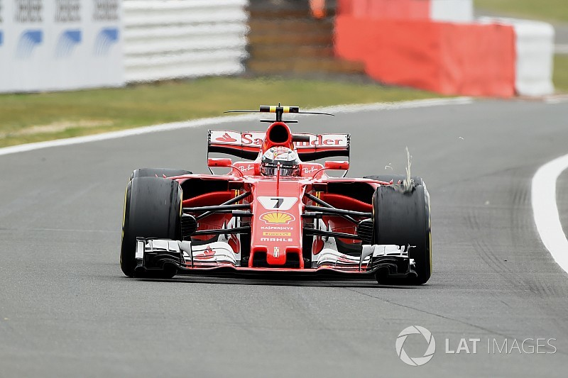 Pirelli назвала причину прокола на машине Райкконена в Сильверстоуне