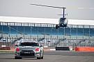 Automotive Dikemudikan kontroler game, Nissan GT-R /C melaju 211 kpj di Silverstone