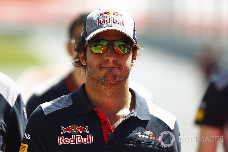 Хорнер напомнил Сайнсу о контракте с Toro Rosso