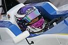 F3 Europe Marino Sato signe en F3 chez Motopark