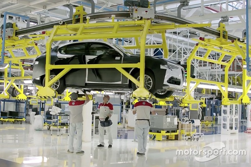 Alfa Romeo Stelvio per ongeluk onthuld door Fiat