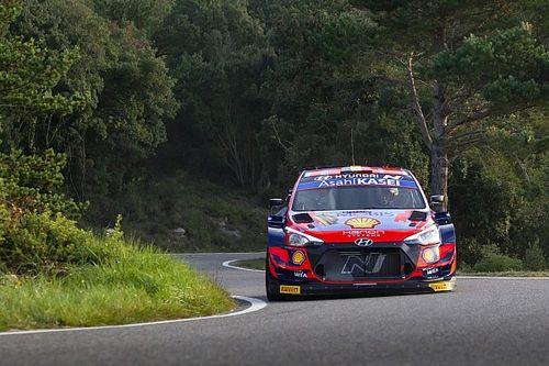 WRC Spain: Neuville surges into lead as Evans survives scare
