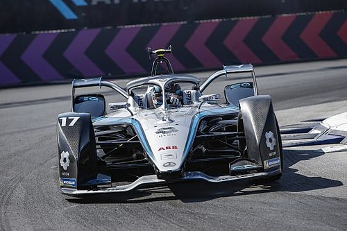 De Vries et Mercedes écrasent la concurrence en qualifs
