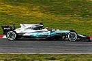 Hamilton zet de toon op eerste testdag Barcelona
