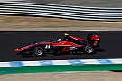 Nirei Fukuzumi domina Gara 1 a Jerez, Russell precede Aitken