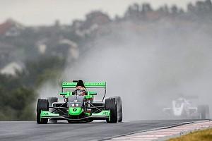 Formule Renault Raceverslag FR2.0 Nürburgring: Fenestraz domineert regenrace
