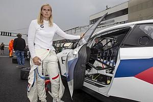 """Visser over GT4-overwinning in Hongarije: """"Moest er een keer van komen"""""""