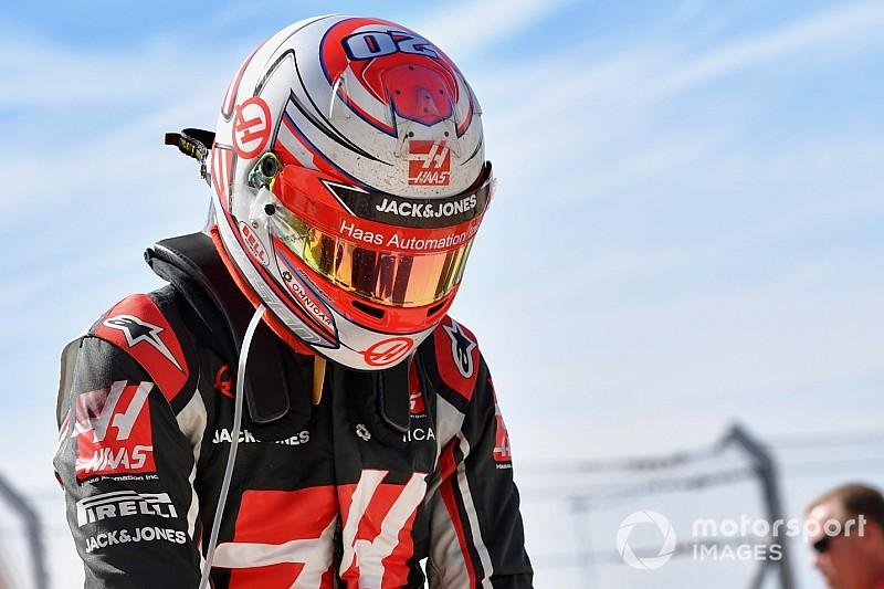 """Magnussen baalt van brandstofregels: """"Rij rond als een oud omaatje"""""""