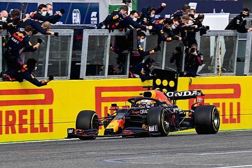 Verstappen wint spectaculaire GP in Imola, drama bij Mercedes