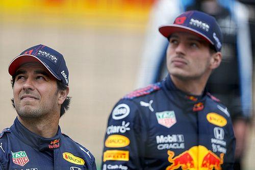 """Verstappen: """"Red Bull'da 'garajın iki tarafı' diye bir şey yok"""""""