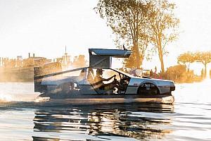 Un aéroglisseur DeLorean!