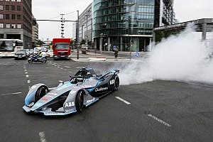 Formula E Son dakika Galeri: Rosberg, Berlin'de Gen2 Formula E aracını sürdü