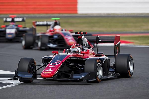 George Russell vence en la carrera 1 en Silverstone