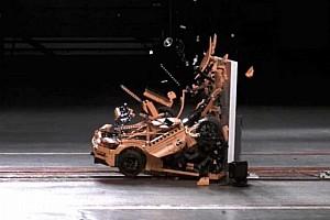 Auto Actualités Quand une Porsche en Lego passe au crash-test!